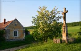 A vigántpetendi faluvégen