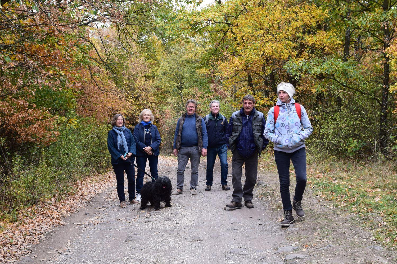 A vászolyi csapat egy részével érkezünk a hegytető felé
